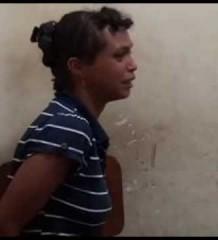 Mulher é presa acusada de espancar os filhos