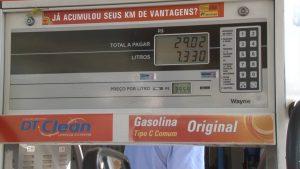 motoristas-ficam-esperando-reducao-no-preco-da-gasolina-e-diesel-que-ainda-nao-chegou-nas-bombas-em-caratinga-00_00_07_00-quadro003