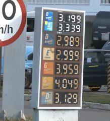 motoristas-ficam-esperando-reducao-no-preco-da-gasolina-e-diesel-que-ainda-nao-chegou-nas-bombas-em-caratinga-00_00_10_23-quadro004