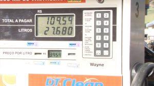 motoristas-ficam-esperando-reducao-no-preco-da-gasolina-e-diesel-que-ainda-nao-chegou-nas-bombas-em-caratinga-00_00_24_05-quadro007