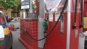 motoristas-ficam-esperando-reducao-no-preco-da-gasolina-e-diesel-que-ainda-nao-chegou-nas-bombas-em-caratinga-00_01_10_23-quadro012