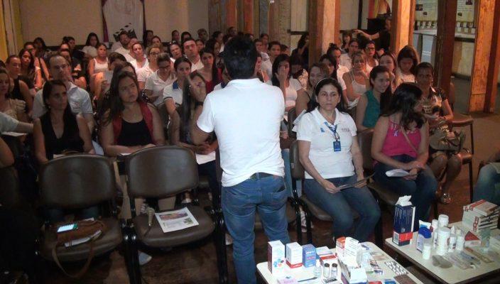 palestra-com-tema-seguranca-e-erros-de-medicamentos-e-ministrada-para-os-alunos-do-curso-tecnico-de-enfermagem-da-rede-de-ensino-doctum-00_00_25_08-quadro005