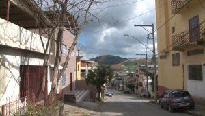 Árvore compromete segurança do bairro Esplanada.00_00_01_13.Quadro002