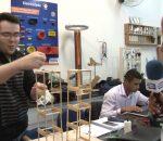 No Ciência Com Vida, o Professor Reginaldo Eustáquio, mostra as maquetes e experiências dos alunos da FIC- Faculdades Integradas de Caratinga, sobre oscilações.