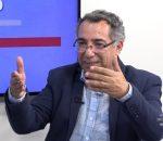 Salatiel Ferreira Lúcio conversa com o professor Américo Galvão