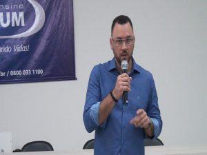 Vice-presidente da Rede Doctum, Pedro Leitão, falando sobre o lançamento do programa Doctum Oportuna