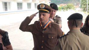 Sargento Souza Júnior  recebeu a medalha Alferes Tiradentes